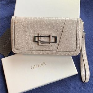 Synthetic Guess light grey wallet